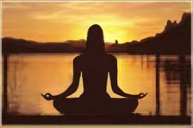 donna in meditazione copia