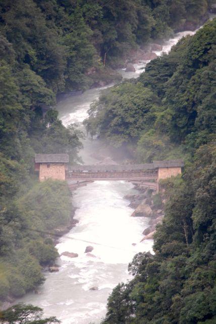 fiume ponte